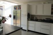 keuken gespoten ral 9010 zijdeglans in Laren