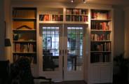 Ensuite boekenkast gespoten in kleur