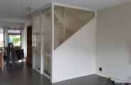 schuifdeuren woonkamer met schuine kant voorzien van glas