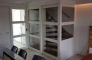 Schuifdeuren voor open trap met zij paneel