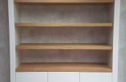 boekenkast met eiken plakken